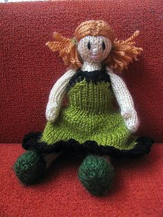 Little chubby doll by Martyna Kunkel - This pattern is available as a free Ravelry download Size of doll depends of yarn and needles. With DK yarn and 2,5mm needles dolls I get 15cm dolls, but when I used 3,25mm needles I get 18cm dolls.  For more information, see: http://pyzia-pyziulka.blogspot.com/