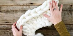 chunky knit blanket in 3 easy steps no needles