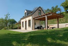 Its name may seem a little redundant, but Shelter House by Franklin Azzi Architecture boasts a really unique eco house design that offers sustainable Old House Design, Cottage Design, Architecture Unique, Sheltered Housing, Passive House, Tiny House Movement, Rooftop Terrace, Tiny House Living, Small House Plans