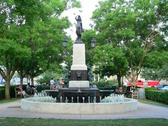 Hyde Park, Cincinnati - Wikipedia  |Hyde Park Square Cincinnati Ohio