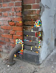 German artist Jan Vormann travels around the world and restores crumbling architecture using LEGO blocks. In his work titled Dispatchwork, Vormann has spent three years filling in the cracks of buildings with colorful LEGO pieces. Kintsugi, Aarhus, Street Art, Lego Wall, Make Do And Mend, Creation Deco, Public Art, Urban Art, Installation Art