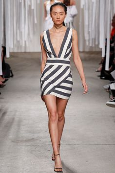 Milly Spring 2016 Ready-to-Wear Fashion Show Look 14 of 39