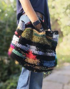 linea my bag larob fiber artist Diy Crochet And Knitting, Freeform Crochet, Love Crochet, Crochet Handbags, Crochet Purses, Cozy Fashion, Urban Fashion, Textiles, Unique Crochet