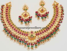 gemstone-set-by-totaram-jewellers.jpg 655×500 pixels