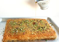 Vegan kunafa, a traditional Middle-Eastern shredded phyllo dough and sweet cheese dessert, soaked in orange blossom syrup and topped with pistachios! Vegan Sweets, Vegan Desserts, Fancy Desserts, Plated Desserts, Vegan Foods, Vegan Snacks, Arabic Dessert, Arabic Sweets, Arabic Food