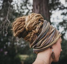 6 colours available at - Cool Wraps scarf Wraps white girl Head Wraps Dreadlock Rasta, Dreadlock Beads, Dreadlock Styles, Dreads Styles, Hair Styles, How To Style Dreadlocks, Long Dreads, Natural Dreads, Fake Dreads
