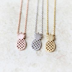 Daisies ONE PIECE Hot Sale Pineapple Necklace Fruit necklace Food Jewelry Christmas Gift Fashion for women 2015