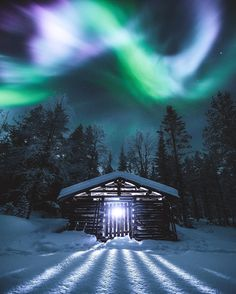 Northern Lights Quick Guide: How to see and photograph? Lapland Finland, Cabin In The Woods, Destinations, Destination Voyage, Arctic Circle, Vacation Pictures, Show Photos, Vacation Trips, Vacation Travel