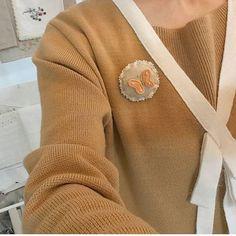 #추운날  따뜻해 보이그로~ #나비 #브로치 ⛄ #자수나무 #구미프랑스자수 #embroidery