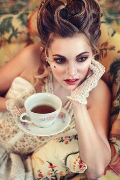 """Marie Antoinette"" ~ Amandine Vs by Olga Palet ~ Coiffure: Gwennaelle Brinco ~ Maquillage: Maria Netchaeva ~ Stylisme: Jennifer Harris ~ Chateau De Mirambeau"