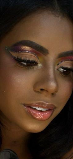 Maquiagem para Madrinha de Casamento 2022: Principais tendências