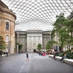 Uno de mis lugares favoritos para pasar ...archdigest: Lo sublime Kogod Patio en la Galería Nacional de Retratos de Washington, DC, diseñado Foster + Partners.   porhedtk diseñador senior
