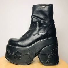 Funky Shoes, Shoes Too Big, Cute Shoes, Dad Shoes, Chunky Boots, Piercing, Swag, Sock Shoes, Platform Shoes