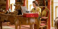 How The Crown's Buckingham Palace Was Created, Even Though No One Could Film There