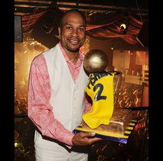 Derek Fisher and his custom NBA Trophy Cake www.gimmesomesugarLV.com