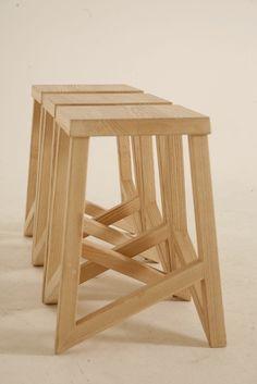 kEscher – Ran Seri Wooden Pallet Furniture, Diy Furniture Plans, Recycled Furniture, Woodworking Furniture, Wood Chair Design, Wood Stool, Furniture Design, Diy Bar Stools, Small Wood Projects