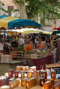Aix-en-Provence...best Saturday market...it's big...and it's one of my absolute favourites... ;)