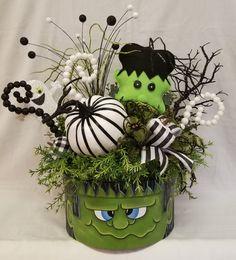 ON SALE Frankenstein Arrangement Halloween Arrangement Manualidades Halloween, Adornos Halloween, Easy Halloween Crafts, Halloween Kostüm, Holidays Halloween, Halloween Themes, Holiday Crafts, Halloween Wreaths, Halloween Projects