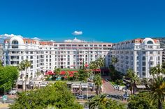 Stay at Majestic Cannes and discover the luxury of Barrière hotels. With Barrière luxury hotels, make sensational memories with family, friends or a special someone Majestic Cannes, Nature Architecture, Palace, Destinations, Cannes France, Vacation Rental Sites, Hotel Stay, This Is Us, Adventure