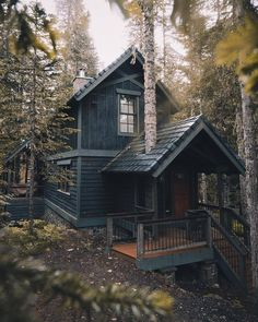 "🌟Tante S!fr@ loves this📌🌟wanderthewood: ""Oregon cabin by logan_b_wright "" Cottage In The Woods, Cabins In The Woods, House In The Woods, Cabins In The Mountains, Wood Cottage, Mountain Houses, Witch Cottage, Mountain Cottage, Mountain Cabins"