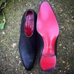 Gaziano & Girling is a unique shoe company. Founded in 2006 by Tony Gaziano & Dean Girling.