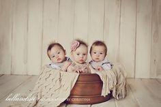 triplet-babies-minneapolis-photographer    www.bellasaluti.com