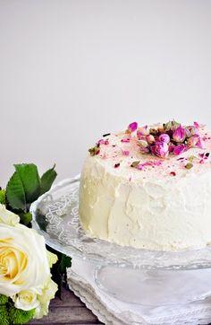 Elodie's Bakery: Strawberry layer cake - Battle Food #12 Strawberry Layer Cakes, Easy Cake Recipes, Sweet Bread, Tasty Dishes, Vanilla Cake, Cake Decorating, Battle, Bakery, Cheesecake