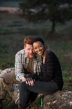 """Michael Cudlitz and Sonequa Martin-Green ~ The Walking Dead Season 7 Finale Ep16 """"The First Day Of The Rest Of Your Life"""""""