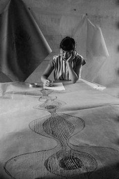 Ruth Asawa sketches a design in November 1954. She studied at Black Mountain College in North Carolina. Photo: Nat Farbman