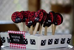 Oreo pops of ladybugs (as food or favors)