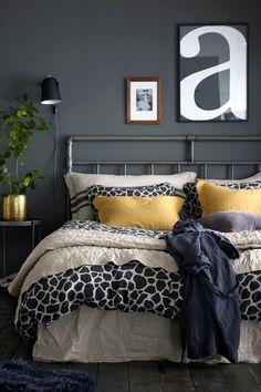 Bianca-sängynpääty 180 cm:n sänkyyn Black Walls, Guest Room, Comforters, Blanket, Interior, Inspiration, Furniture, Design, Home Decor