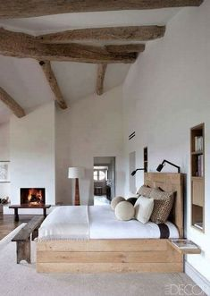 Bedroom styles to make your bedroom a luxury haven. Which bedroom style fits your personality? Modern, Rustic, Hollywood Glam or Boho bedroom styles. Modern Rustic Bedrooms, Rustic Bedroom Design, Farmhouse Master Bedroom, Wood Bedroom, Master Bedroom Design, Home Decor Bedroom, Bedroom Ideas, Rustic Modern, Rustic Room