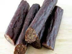 Best Beef Sticks Recipe: 2 pounds of beef (or any meat type) 1 cup of water teaspoon of garlic powder teaspoon of onion powder 1 teaspoon of liquid smoke 2 teaspoon of mustard seed 4 teaspoons of curing salt Jerky Recipes, Venison Recipes, Snack Recipes, Cooking Recipes, Brownie Brittle Recipe, Brittle Recipes, Beef Sticks Recipe, Beef Snack Stick Recipe, Beef Jerky Sticks