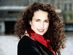 Andie Macdowell plastic surgery - Care - Skin care , beauty ideas and skin care tips Andie Macdowell, Curly Girl, Curled Hairstyles, Hollywood Actresses, Hot Actresses, Plastic Surgery, Fashion Week, Celebrity Pictures, Beautiful Actresses
