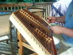 I'll Fly Away being played on the hammered dulcimer by Martin Moore. Love this song!!! He does such a good job on this song!!!!
