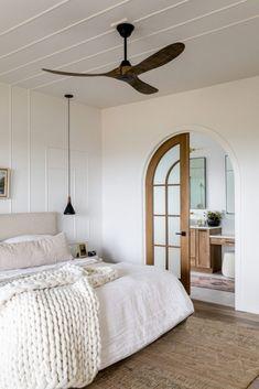 Neutral Bedroom Decor, Neutral Bedrooms, Coastal Bedrooms, Bedroom Inspo, Coastal Master Bedroom, Master Bedroom Design, Master Suite, Dream Bedroom, Home Bedroom