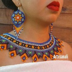 Huichol Art Mexican Beaded Tribal Necklace set with Medallion Earrings Hama Beads, Seed Beads, Mexican Jewelry, Beaded Jewelry Patterns, African Culture, Beading Projects, African Wear, Jewelry Party, Beaded Earrings
