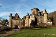Travel to France - image Castle Pictures, Monuments, French Castles, Castle House, Beautiful Castles, French Chateau, Medieval Castle, Place Of Worship, Kirchen