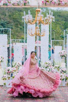 How Bride Gurpreet Found Her Dream Rimple & Harpreet Lehenga - Indian Bridal Outfits, Indian Bridal Fashion, Indian Bridal Wear, Wedding Outfits, Indian Wear, Bridal Dresses, Indian Style, Party Dresses, Wedding Lehenga Designs