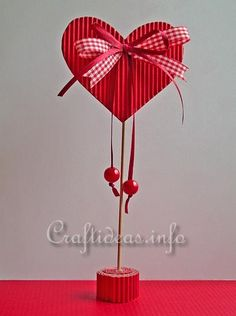 Valentine's Day or Mother's Day Craft for Kids - Paper Heart Valentines Bricolage, Kinder Valentines, Valentine Day Crafts, Valentine Heart, Holiday Crafts, Heart Decorations, Valentines Day Decorations, Mothers Day Crafts For Kids, Heart Crafts