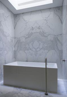 Bathroom by Atelier Kastelic Buffey.