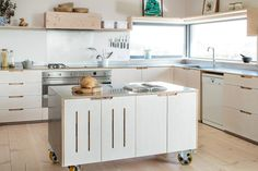Contemporary Eco Kitchen with plyoowd cabinets and stainless steel worktops Mobile Kitchen Island, Portable Kitchen Island, Kitchen Island On Wheels, Kitchen Sets, New Kitchen, Kitchen Decor, Family Kitchen, Kitchen White, Kitchen Modern