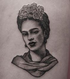 Frida Kahlo by Tylbor - Tattoos Future Tattoos, Love Tattoos, Beautiful Tattoos, Black Tattoos, Body Art Tattoos, Girl Tattoos, Portrait Tattoos, Grey Tattoo, Tattoo Ink