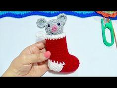 Botita con Ratoncito travieso Tejida a crochet paso a paso - YouTube Christmas Decorations, Christmas Ornaments, Holiday Decor, Hello Kitty, Youtube, Mason Jars, Christmas Jewelry, Youtubers, Christmas Decor