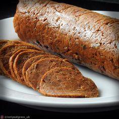 vital wheat gluten – I Only Eat Grass Vegan Salami Recipe, Salami Recipes, Seitan Recipes, Meat Recipes, Canning Recipes, Vegetarian Cooking, Vegetarian Recipes, Vegan Meals, Vegan Chorizo