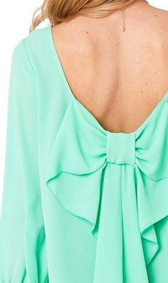 Mint is beautiful, isn't it? This bow in the back is so feminine.