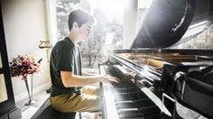 Titanium (1 Guy, 15 Piano Tracks) David Guetta ft. Sia - Tanner Townsend. This kid is GOOD!
