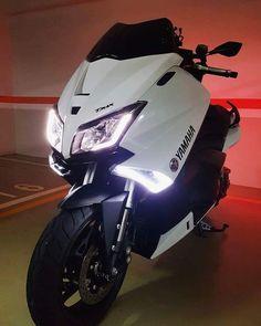 TMAX_YAMAHA 530CC 2016♕♛ Tmax Yamaha, Yamaha Nmax, Yamaha Scooter, Yamaha Motor, Scooter Design, Futuristic Motorcycle, T Max, Custom Bikes, Motocross