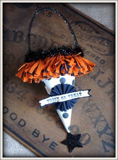 VINTAGE INSPIRED HALLOWEEN TUSSIE MUSSIE TRICK OR TREAT. $15.00, via Etsy.