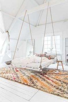 หรือจะเปลี่ยนมาปูด้วยพรมผืนใหญ่ลายสวยก็แล้วแต่สะดวกได้เลยค่ะ Girl Bedroom Designs, Room Ideas Bedroom, Home Bedroom, Girls Bedroom, Diy Bedroom Decor, Home Decor, Bed Designs, Moroccan Bedroom Decor, Hammock In Bedroom